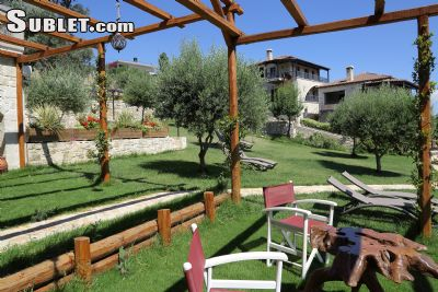 Image 2 furnished 4 bedroom House for rent in Gorgolainis, Heraklion