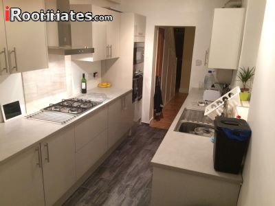 Image 3 Furnished room to rent in Woolwich, Greenwich 4 bedroom House