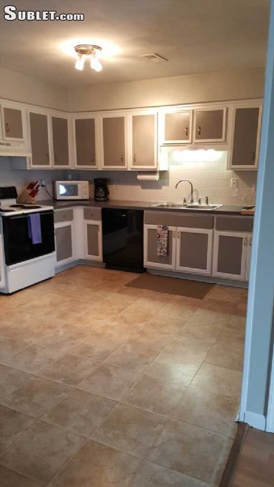 Image 2 furnished 4 bedroom House for rent in Virginia Beach County, Hampton Roads