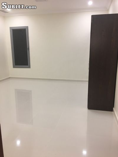 Image 4 unfurnished 3 bedroom Apartment for rent in Funtas, Al Amadi