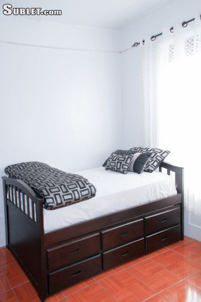 Image 1 Room to rent in Crown Heights, Brooklyn 1 bedroom House