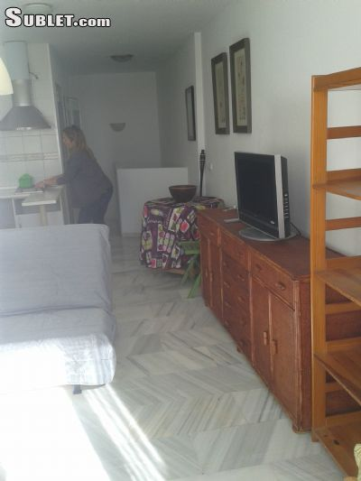 Image 3 furnished 1 bedroom Apartment for rent in Estepona, Malaga Province