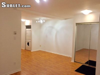 Image 3 unfurnished 1 bedroom Apartment for rent in Downtown, Montreal Area
