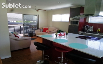 Image 2 Furnished room to rent in Gold Coast, Gold Coast 3 bedroom House