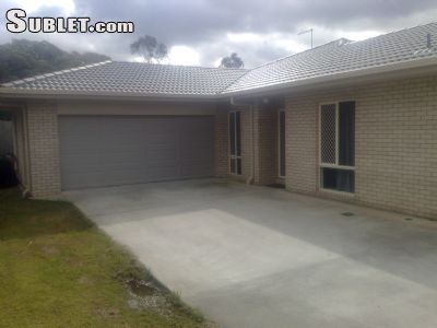 Image 1 Furnished room to rent in Brisbane - Surrounds, Brisbane - Surrounds 4 bedroom House