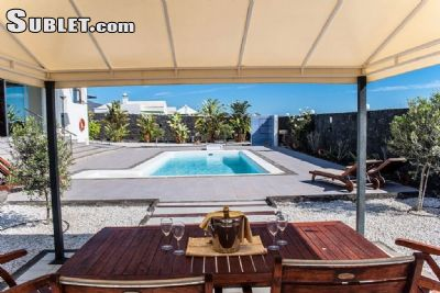 Image 2 furnished 4 bedroom House for rent in Lanzarote, Lanzarote Island