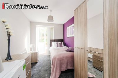 Image 3 Furnished room to rent in Harrow, Harrow 4 bedroom House