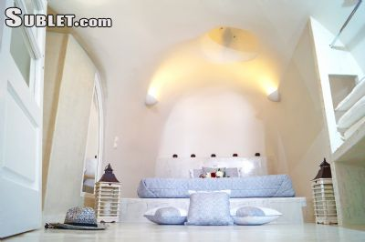 Image 7 furnished 2 bedroom House for rent in Santorini, Cyclades