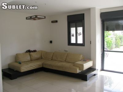 Image 1 furnished 5 bedroom House for rent in Rishon LeZiyyon, Central Israel