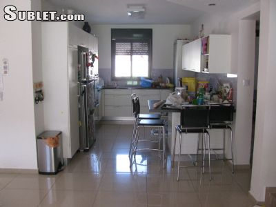 Image 4 furnished 5 bedroom House for rent in Rishon LeZiyyon, Central Israel