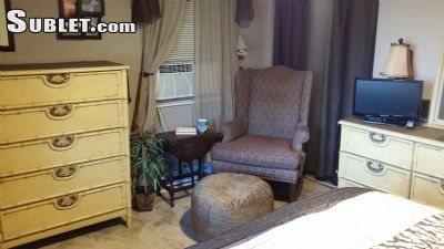 Image 3 furnished 2 bedroom House for rent in St Petersburg, Pinellas (St. Petersburg)