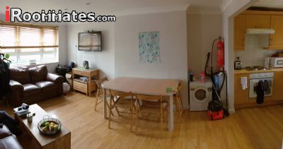 Image 2 Furnished room to rent in Fulham, Hammersmith Fulham 3 bedroom Apartment