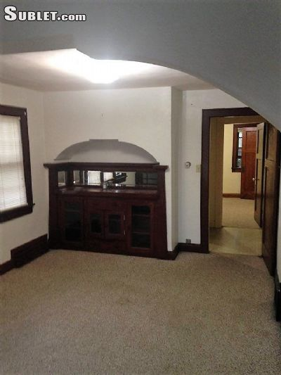 downtown unfurnished 2 bedroom house for rent 730 per