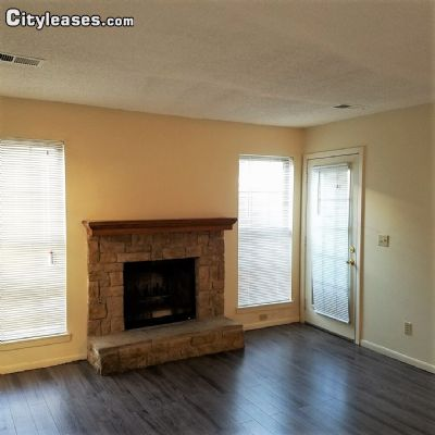 Image 2 either furnished or unfurnished 2 bedroom Townhouse for rent in Overland Park, Kansas City Area KS