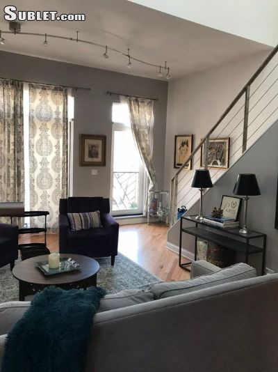 Image 1 unfurnished 3 bedroom Townhouse for rent in West Town, West Side