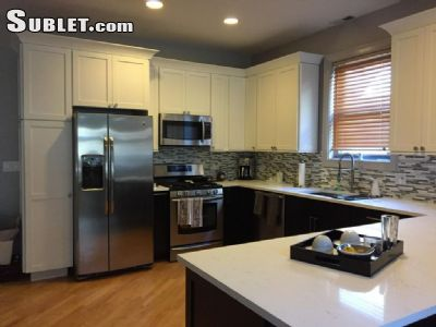 Image 7 unfurnished 3 bedroom Townhouse for rent in West Town, West Side