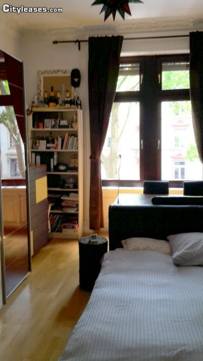 Image 2 Furnished room to rent in Sachsenhausen-Nord, Frankfurt 3 bedroom Apartment