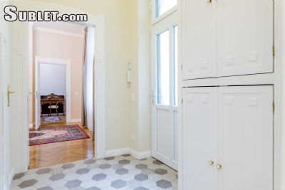Image 3 furnished 1 bedroom Apartment for rent in District 5, Budapest