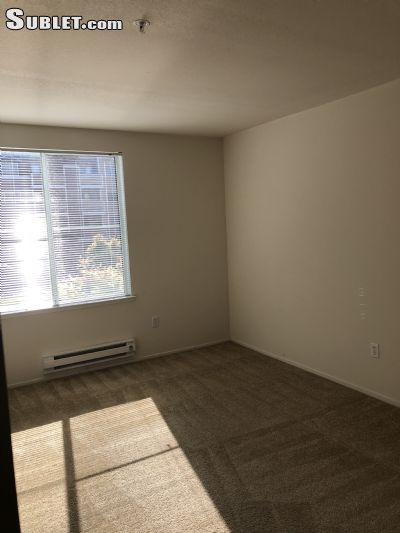 Image 3 Room to rent in Emeryville, Alameda County 3 bedroom Apartment