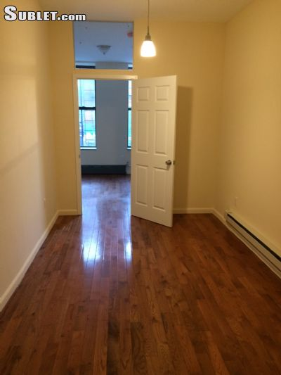 Image 2 unfurnished 2 bedroom Apartment for rent in Harlem East, Manhattan