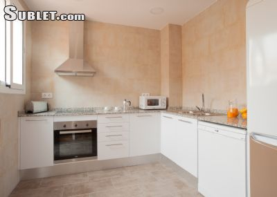 Image 7 furnished 4 bedroom Apartment for rent in Poblenou, Sant Marti