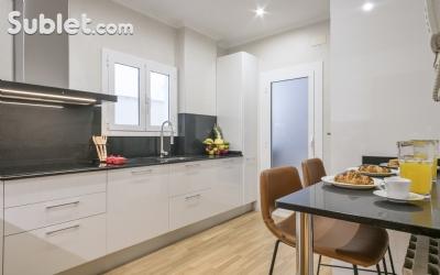 Image 3 furnished 4 bedroom Apartment for rent in Poblenou, Sant Marti