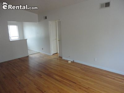 Image 3 unfurnished 3 bedroom Apartment for rent in University City, St Louis Area