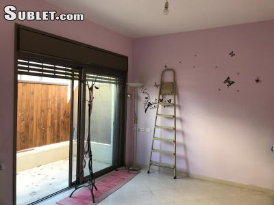 Image 5 unfurnished 3 bedroom Apartment for rent in Bab a-Zahara, East Jerusalem