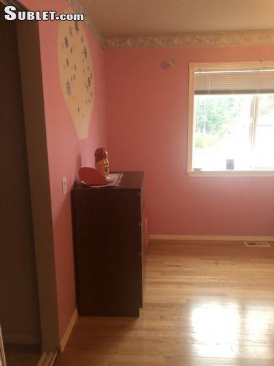 Image 2 Room to rent in Redmond, Seattle Area 4 bedroom House