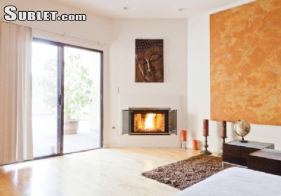 Image 2 furnished 2 bedroom Apartment for rent in Venice, West Los Angeles