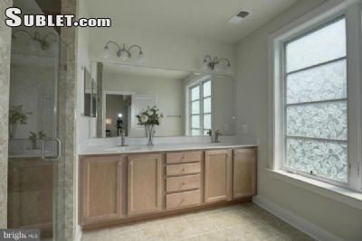 Image 4 unfurnished 3 bedroom Townhouse for rent in Alexandria, DC Metro