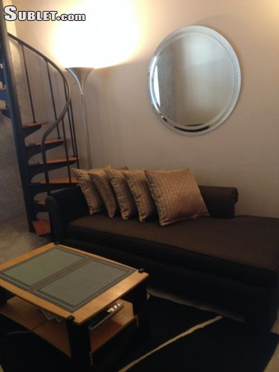 Image 3 furnished 1 bedroom Townhouse for rent in Other Center City, Center City
