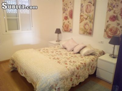 Image 4 Furnished room to rent in Guildford, Surrey 4 bedroom House