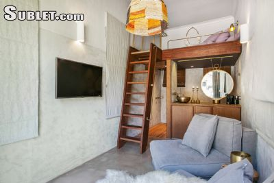 Image 1 furnished Studio bedroom Loft for rent in Tamarama, Eastern Suburbs