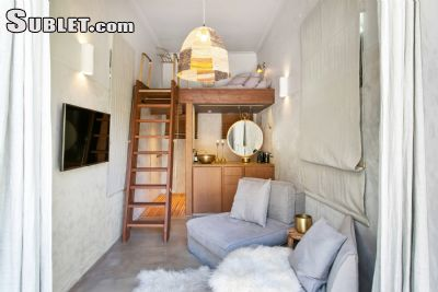 Image 2 furnished Studio bedroom Loft for rent in Tamarama, Eastern Suburbs