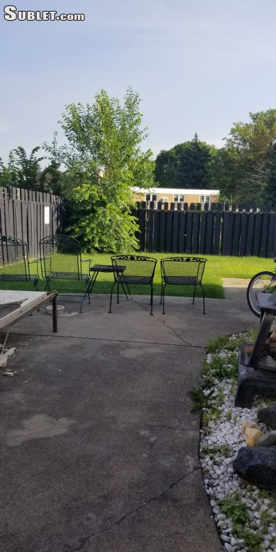 rooms for rent in Des Plaines
