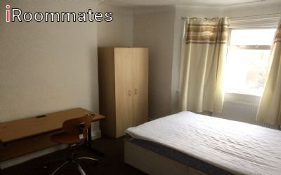 Image 2 Furnished room to rent in Billingsgate, City of London 3 bedroom House