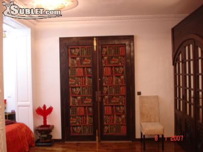 Image 2 furnished 1 bedroom Townhouse for rent in 8th-arrondissement, Paris
