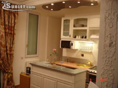 Image 3 furnished 1 bedroom Townhouse for rent in 8th-arrondissement, Paris