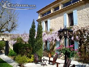 Image 1 furnished 5 bedroom House for rent in Avignon, Vaucluse