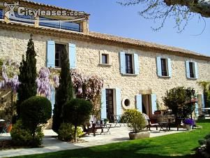 Image 2 furnished 5 bedroom House for rent in Avignon, Vaucluse