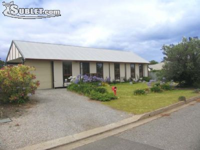 Image 3 furnished 3 bedroom House for rent in Aldinga Beach, Adelaide Hills - Fleurieu